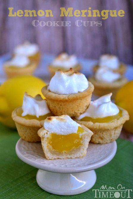 Sucre biscuits tasses paire parfaitement avec le citron caillé remplissage rafraîchissante tarte au citron meringuée ces biscuits Cups! MomOnTimeout.com