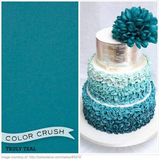 So truly teal! We love this paired with silver and white. In your wedding colors? Get inspired by looking at the envelopments wedding invitations and inspirations