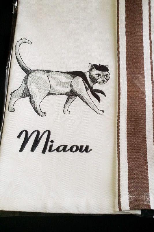 Miaou...Embroidery Designs