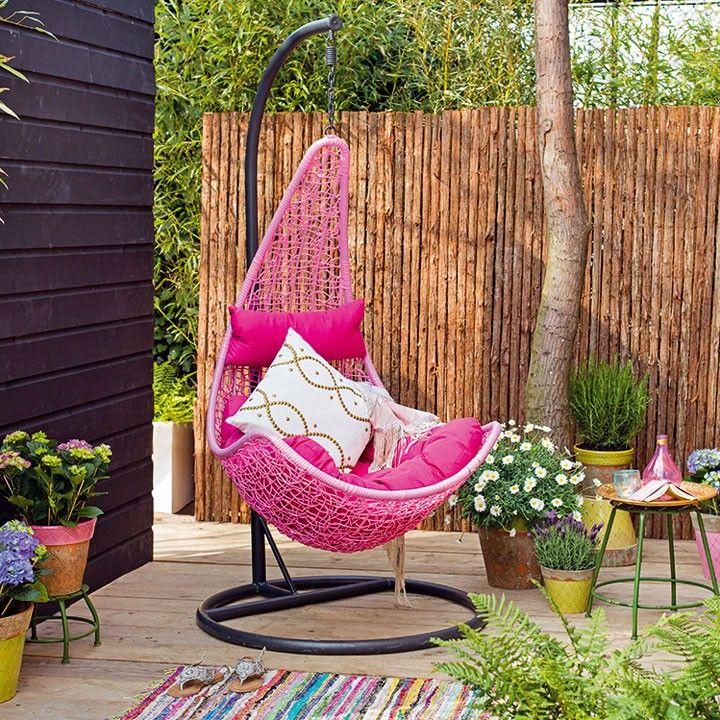 Relaxen in hangstoel ei #hangstoel #intratuin #relaxen
