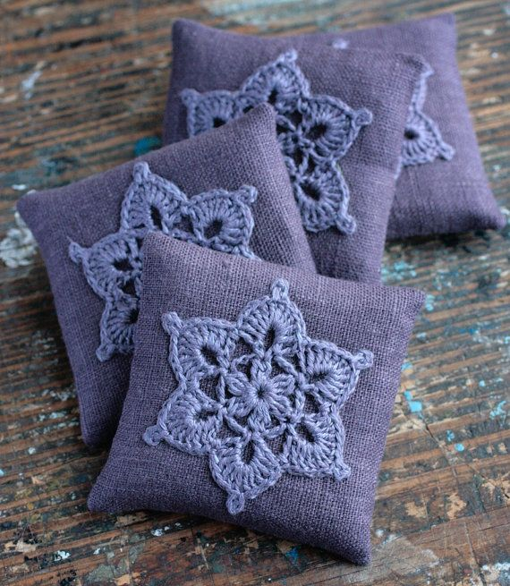 These unique lavender sachets are sewn from linen with a crocheted motif. Sachets contain high quality dried lavender (approx. 23 g / 0.8 oz). There are no artificial scents added.  Its calming scent also works as a natural insect repellent. Put or hang it into your closet, lingerie drawer, luggage, under your pillow, next to your bed, bathroom shelf, etc. It is also makes a nice gift.  Each measures approximately 8.5 x 8.5 cm / 3.3 x 3.3 inch. Care: Spot clean only.  NOTE: The actual shade…