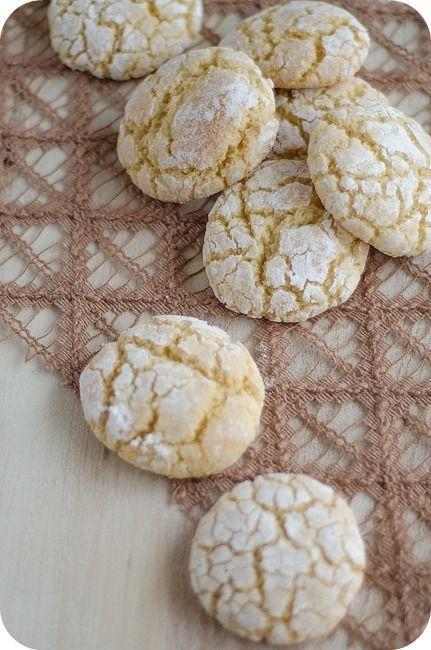 Hoy me he levantado con ganas de hacer algo sencillo y, ojeando en los libros de receta que tengo, he llegado a estas galletas marroquíes que son deliciosas. Se trata de unas galletas de almendra que no quedan nada duras. Además, no resultan empalagosas y van genial para tomar en la merienda con el café, …