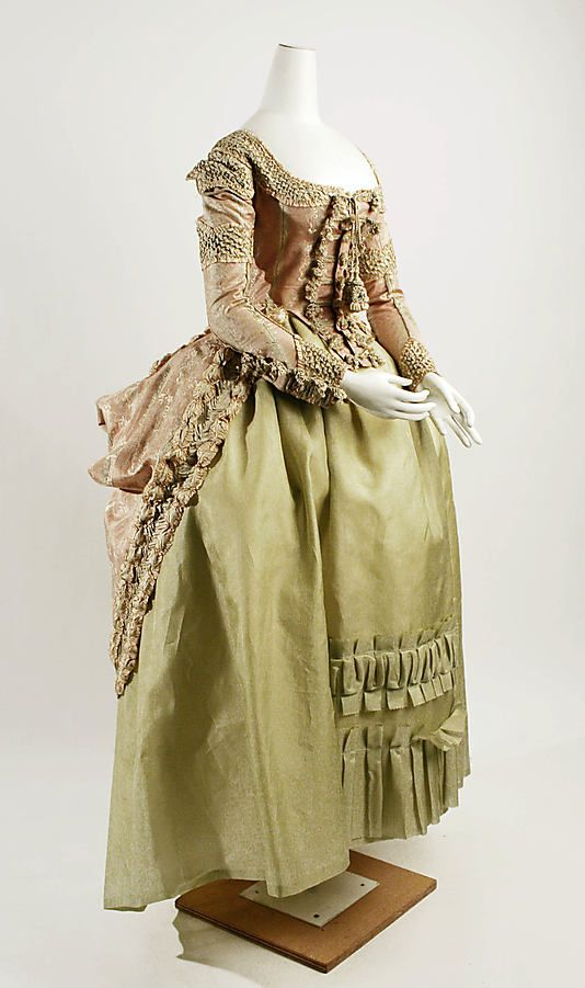 Dress  Date: 1778–80 Culture: French Medium: silk Dimensions: Length at CB: 43 1/2 in. (110.5 cm) Credit Line: Purchase, Irene Lewisohn Bequest, 1960 Accession Number: C.I.60.40.3a, b