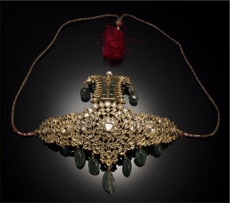 Turban ornament (sarpech) (cat. 50); Rajasthan, 19th century; gold, diamonds, emeralds, emerald beads, pearl, enamel Height: 13 cm, width: 16 cm; private museum, USA, Inv. No. 15723