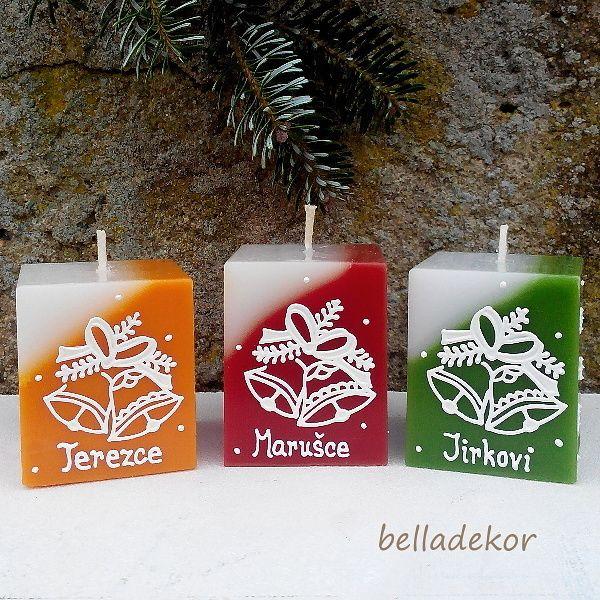 Svíčka vánoční se jménem Ručně malovaná vonná svíčka s vánočním motivem a jménem podle přání. Rozměry - 5,4 x 4,6 cm. Barvy: oranžová -vůně pomeranč červená -vůně vanilka bordó - vůně vánoční zelená - vůně vánoční strom modrá -vůně vánoční fialová -vůně vánoční hnědá -vůně hřebíčková Barvy a jménastačí uvést do zprávy k...
