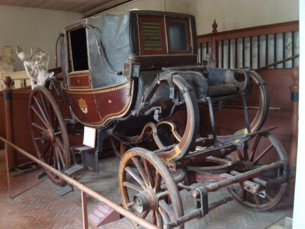 Plus de 1000 id es propos de voitures hippomobiles for Chaise de poste