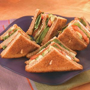 Avocado slices mix with lettuce, cucumber and tomato to make this feel-good sandwich taste really good!: Veggie Sandwich, Sandwiches, Cucumber, Recipe, Sandwich Taste, Feel Good, Veggies, Slices Mix, Avocado Slices