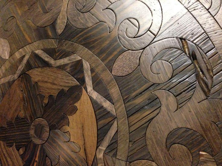 Modello: BELLINI Designed by Carlo Apollo    A P I - Antichi Pavimenti Italiani - in Milano dal 1978  Italian old floors  Solo Legno Antico - Only Old Wood - Nella Foto Pavimento artistico in legno di recupero - www.antichipavimentiitaliani.it  Copyright © Carlo Apollo