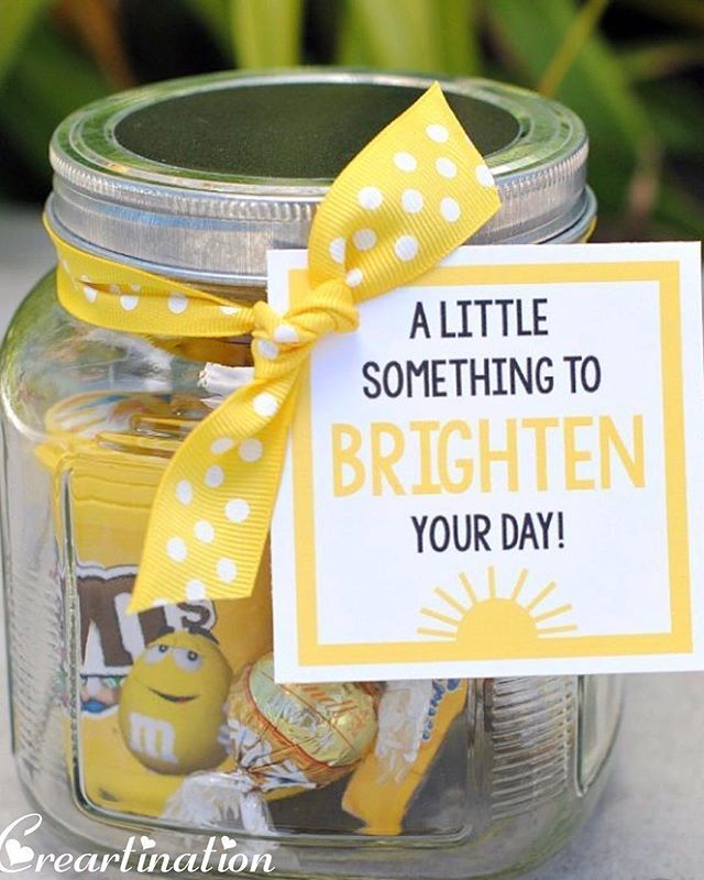 Little things make big things happen Plan a sweet surprise like this for that Special Woman in your life this Womens Day and make her feel on the top of the world! Gift this to your Mother Sister Wife Fiancé  Friend or Colleague to tell them they are Important! #happywomensday #womensday #gifts #hampers #smallsurprisesbigsmiles #mother #friend #wife #allwomenarebeautiful #indore #creartination