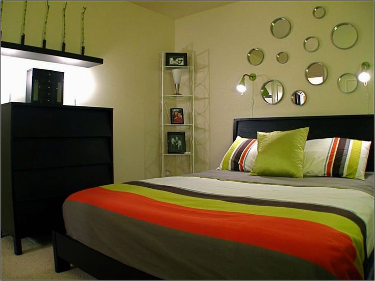 43 Stunning Small Bedroom Decorating Ideas On A Budget Decorewarding Simple Bedroom Decor Small Bedroom Decor Bedroom Interior Bedroom color ideas simple