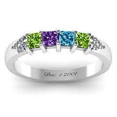 Love this family ring!