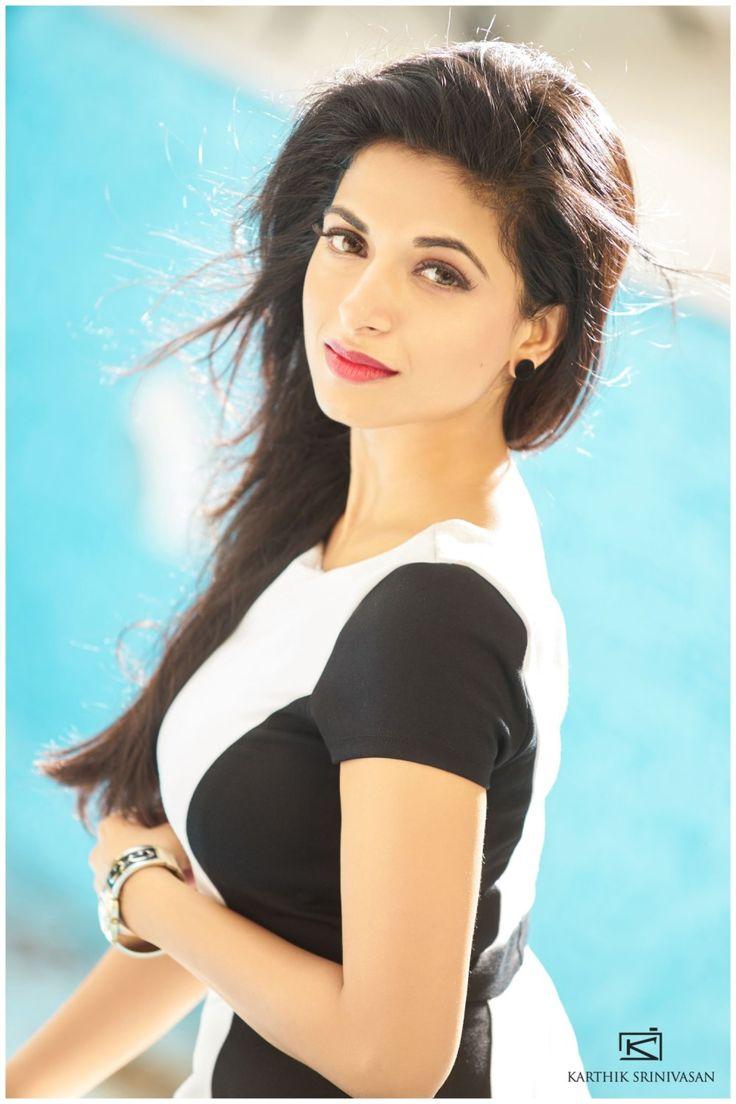 Actress Iswarya Menon – Beauty Girl In The World