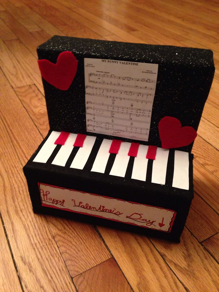 Maddies Finished Piano Valentineu0027s Day Box.
