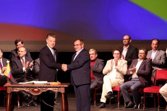 RS Notícias: Acordo de paz entre governo colombiano e as Farc e...