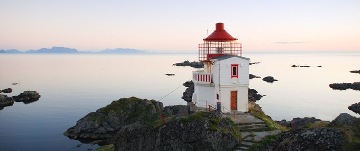 Sleeping in a lighthouse: top 8 unusual hotels