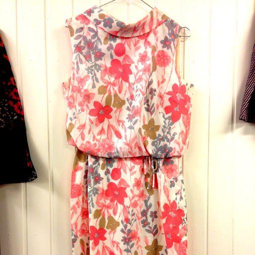 Vintageklänning strl 38. | Vintage & Second hand - Marshmallow Electra http://www.getosom.com/a/502057-5242404869242880  #vintage #secondhand #fashion #osom #iwantthis