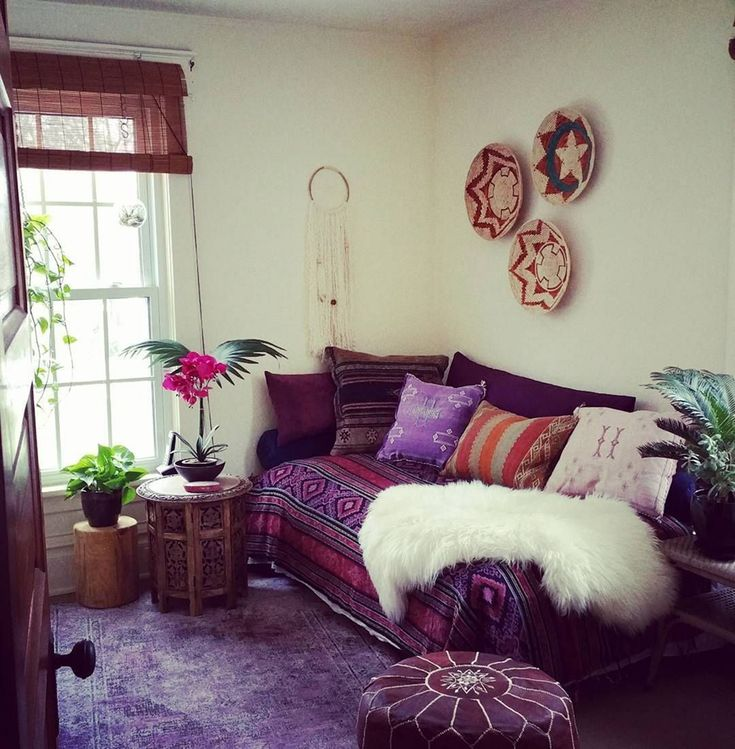 Marvelous 30 Cute Living Room With Purple Color Schemes ...