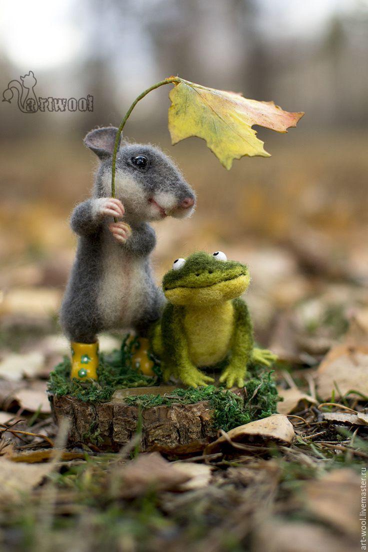 Купить Прогулка в лесу. - комбинированный, лягушка, лягушонок, мышка, мышонок игрушка, лягушка игрушка, лес. Mouse and frog friends.