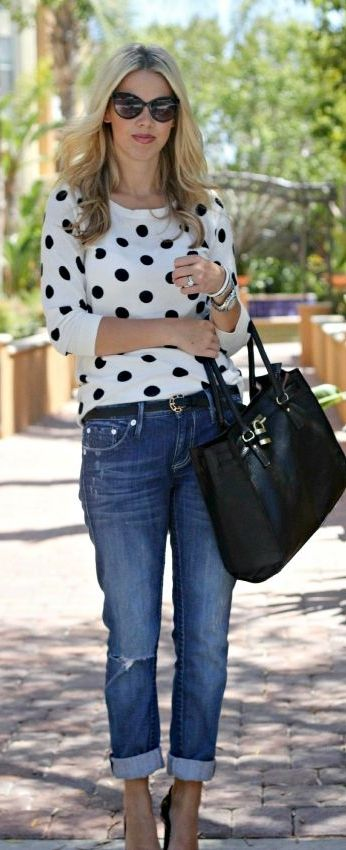 Weekend casual is easy with a polka dot sweater, boyfriend jeans and oversized bag! Would you sport this look?