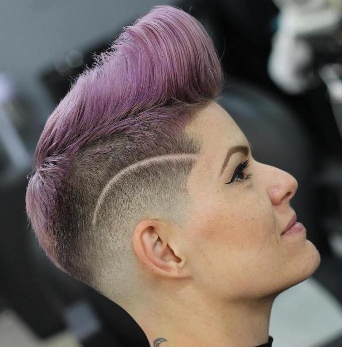 Women's Pompadour With Fade Undercut