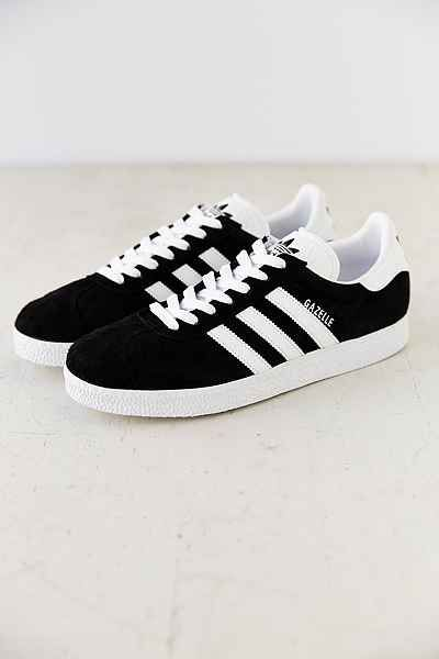I've always liked these classic Addidas sneakers but I've never had a pair.