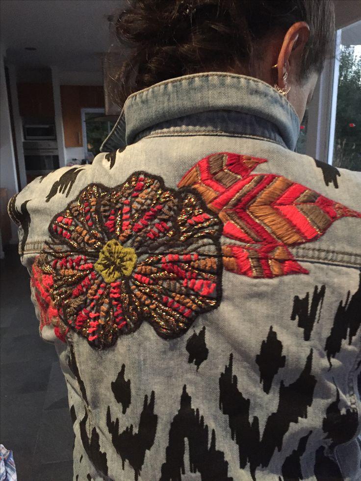 Jacket denim con diseños de Trini Guzman