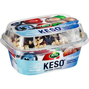 Cottage cheese with blueberries, cranberries and nuts. Those of you who say you dont like cottage cheese, try the Swedish one!