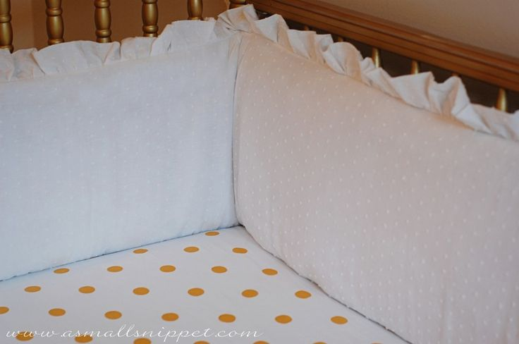 DIY Ruffled Crib Bumper! Really doesn't seem too difficult, and so cute!