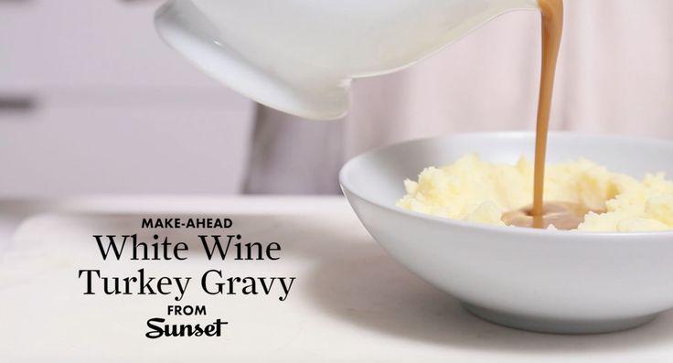 White wine turkey gravy in a jiffy