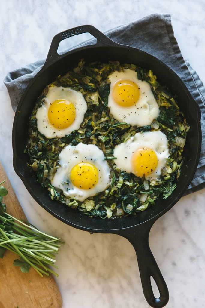 12. Green Shakshuka With Shaved Brussels Sprouts And Spinach #whole30 #paleo…