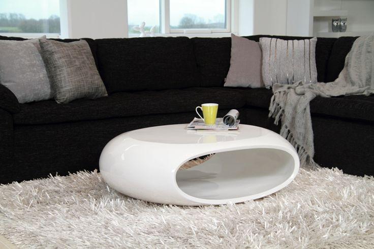 Ovalt sofabord fra Actona Company. Køb hvid højglans sofabord her