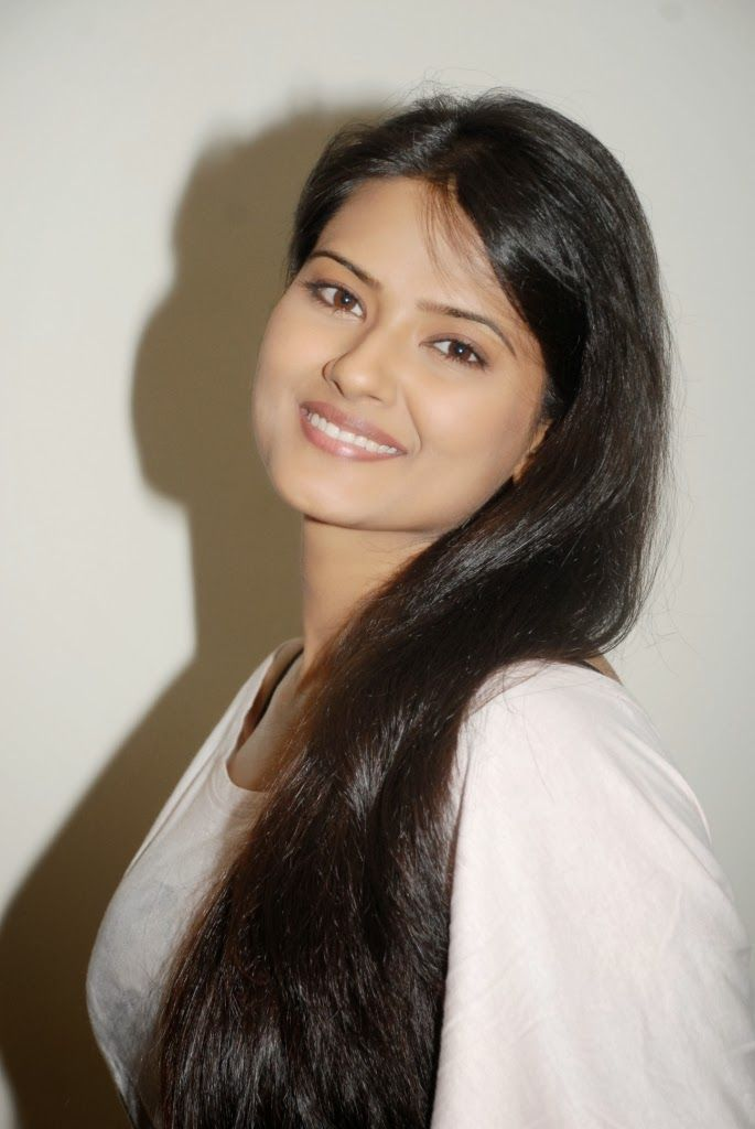 Kratika Sengar Cute pic. | Just4fun.in