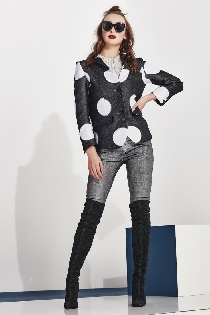 Mix sophistication with funk - metallic silver coated denim full length skinny jeans. The unmissable shin e and embellished star on the back pocket create a sense of uniqueness that is out of this world