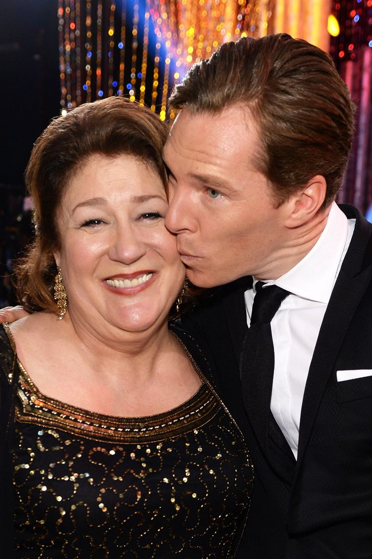 Benedict gave actress Margo Martindale a little peck on the cheek at the SAG Awards, bringing a big smile to her face.
