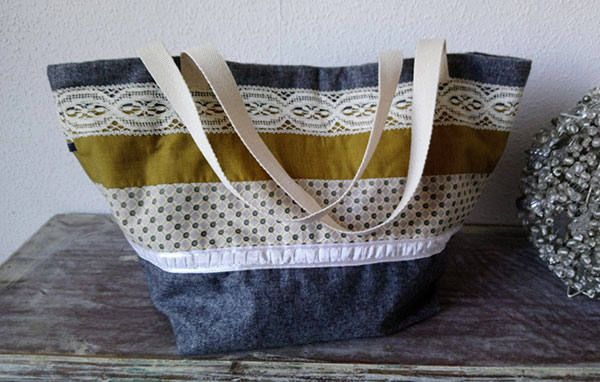 Cabas en laine, coton et dentelle, style shabby chic/ Shabby style tote bag