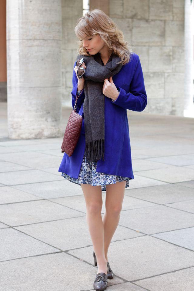 Meine erste Errungenschaft von Kleiderkreisel: dieser blaue Mantel! Mehr Fotos gibt's hier: http://www.miss-annie.de/kleider-kreiseln/ #fashionblogger #blogger #sheinside #outfit #lookoftheday #ootd #outfitoftheday