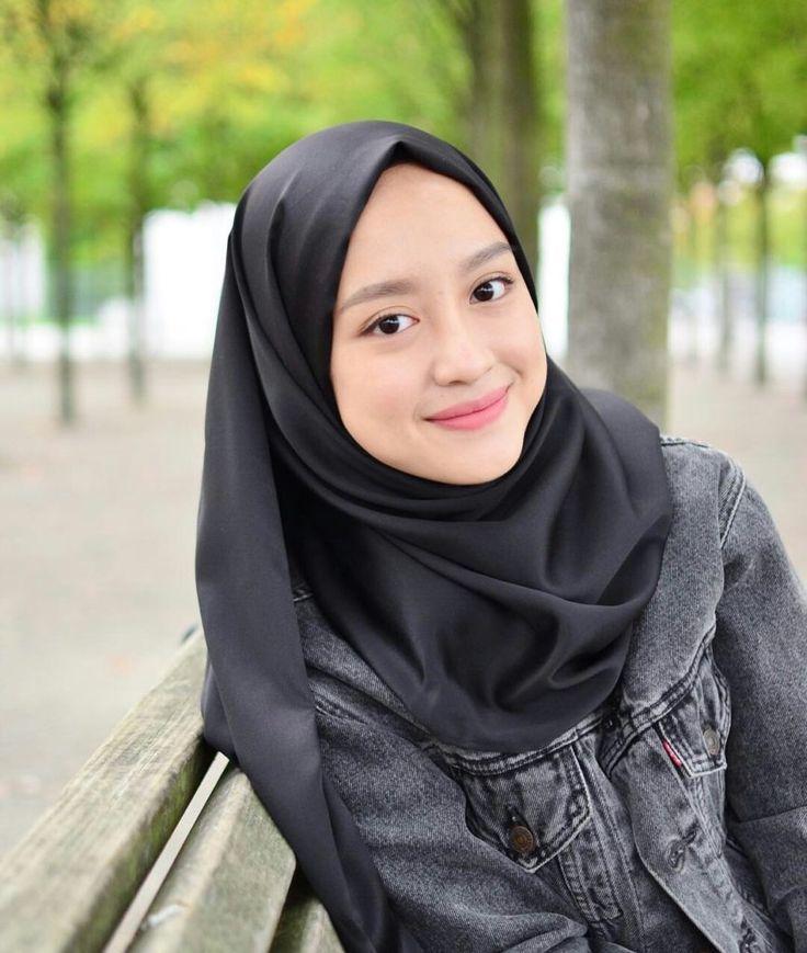 Dimulai Dari Kebiasaan Sehari-Hari, 4 Tips Simpel Ini Dapat Anda Lakukan Untuk Merawat Jilbab Lebih Awet Tahan Lama
