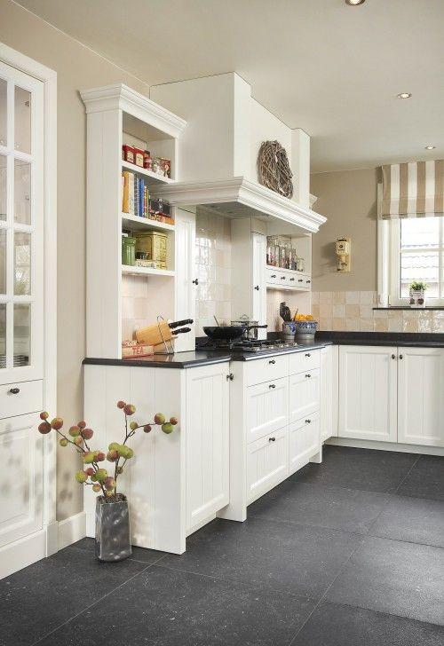 Jaren 30 Keuken Modern : Mooie, handgemaakte landelijke keuken met mooie stijlelementen.
