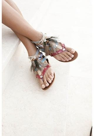 Cute Feather sandals ~Ready for Summer!