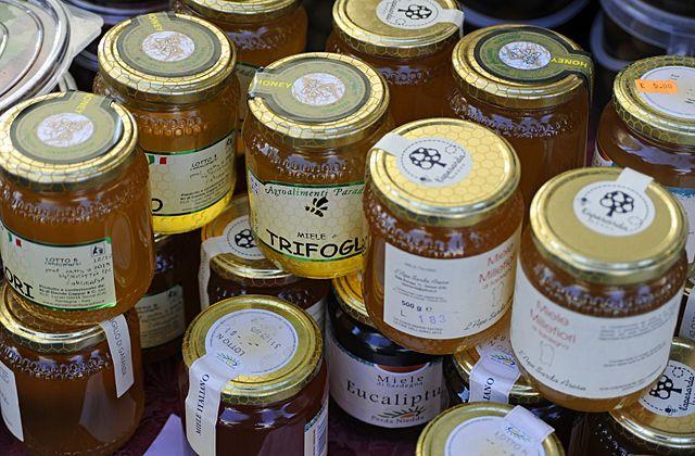 Sardinian markets, honey, Pula