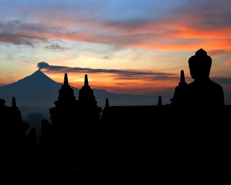 amazing to see the sun rise from the top of Borobudur temple