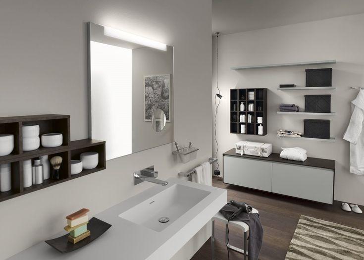 Le système composable Perfetto valorise la pureté du design grâce à sa poignée intégrée dans la façade, à sa flexibilité consolidée et à ses nombreuses nouvelles finitions de stratifié. Une série de meubles composables signée par une marque comme Inda, reconnue par sa qualité et son expérience dans le secteur.