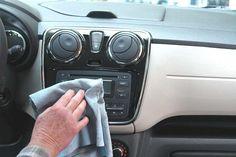 Truc pour nettoyer sa voiture avec des trucs maison.