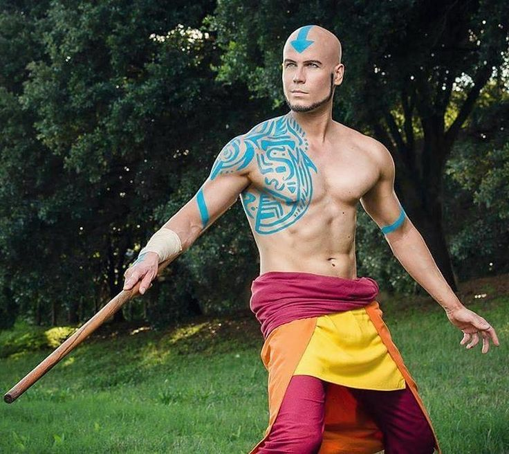 "1,052 Me gusta, 9 comentarios - Stars Of Cosplay (@starsofcosplay) en Instagram: ""#starsofcosplayman @elfficosplay as Adult Aang Photo by @accosplaytx!!! #akon #aang #adultaang…"""