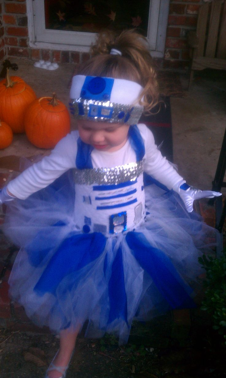 R2D2 tutu for Halloween :)
