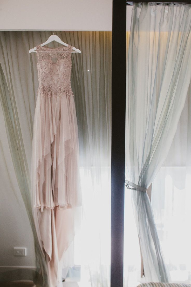 @Brittany Martinez I would definitely love this dress for your wedding.. not quite sure where to find it!