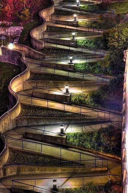 Winding sidewalk in Chattanooga Tennessee