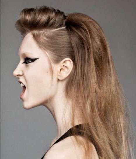 los peinados con tupe fueron una gran tendencia de los aos reflejando la elegancia feminidad y distincin de una joven moderna