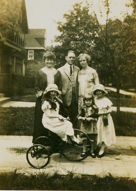Germany. Unknown upper middle class family portrait  in Bielefeld, 1920s