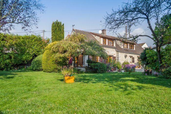 Maison de famille Neauphle le vieux 610 000 € FAI